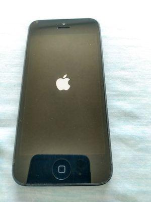 iPhone 5 great shape 32GB black unlocked for Sale in North Miami Beach, FL