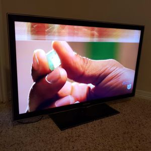 "42"" Samsung Tv (Damaged) for Sale in Cypress, TX"