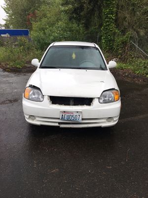 2004 Hyundai Accent - FOR PARTS - NO title - MUST TAKE WHOLE CAR for Sale in Kent, WA