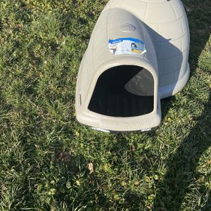 XL Dog House for Sale in Fort Washington, MD