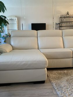 Macy's Julius II Leather Sectional for Sale in FL,  US