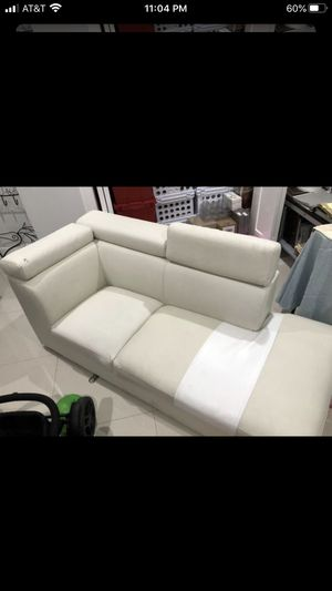 White sectional couch for Sale in Sunrise, FL