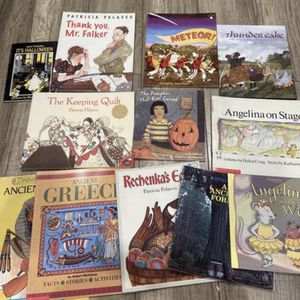 A lots of kids storybooks $8 for Sale in Walnut, CA