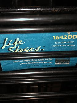 """Dog Kennel By Midwest """"Life stages"""" 42""""L X 28"""" W X 31"""" H for Sale in Brier,  WA"""