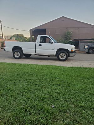2000 chevy silverado 2500 6.0 clean title for Sale in Roseville, CA