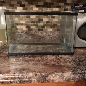 5 Gallon Fish Tank for Sale in Freehold, NJ