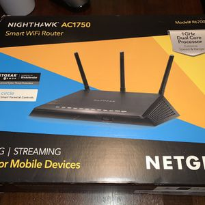 NETGEAR Nighthawk Smart Wi-Fi Router, R6700v3 -AC1750 Speed Up to 1300 Mbps for Sale in Kent, WA