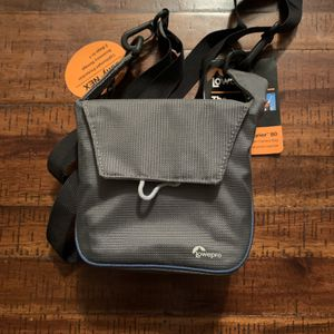 Lowepro Compact 80 Camera Case New w/tags for Sale in Scottsdale, AZ