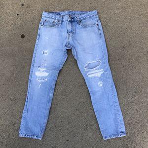 Men levis denim ripped jeans for Sale in Chula Vista, CA