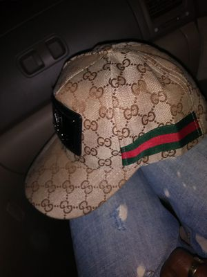 Gucci hat for Sale in Oxon Hill, MD