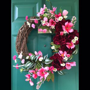 Pink floral grapevine wreath for Sale in Mount MADONNA, CA