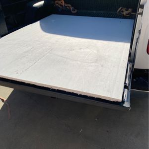 """5/8"""" Drywall Sheet - FREE for Sale in Highland, CA"""
