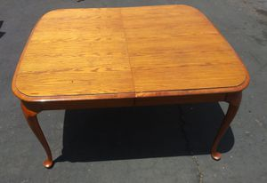 NICE DINNING TABLE $15- for Sale in Orange, CA