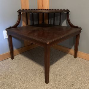 Antique Corner Table for Sale in Smithtown, NY