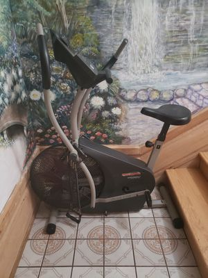 Exercise bike (Barely used) for Sale in Chicago, IL