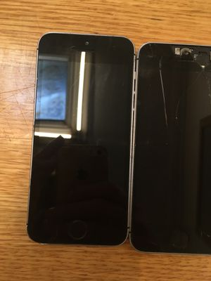 iphone 5 and and two iphone SE for parts only for Sale in New York, NY
