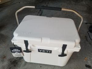 YETI COOLER for Sale in St. Petersburg, FL