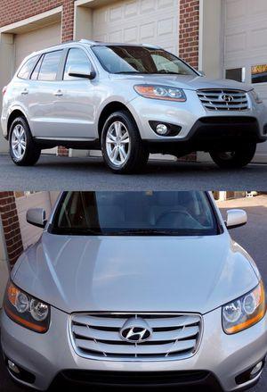 Full Price 1400$ Hyundai Santa Fe for Sale in Lexington, KY