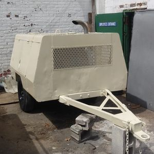 DIESEL TOW BEHIND AIR COMPRESSOR 185 CFM for Sale in Queens, NY