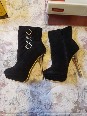 Alba Boots size 7.5 for Sale in Milford, OH