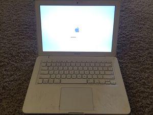 White Apple MacBook for Sale in Turlock, CA