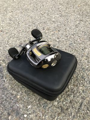 Bass Pro Shop baitcaster for Sale in Moreno Valley, CA