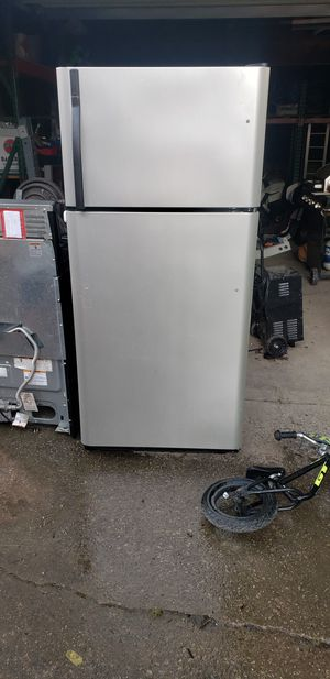 Kenmore Refrigerator for Sale in Independence, OH