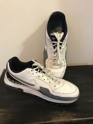 Great Condition Men's Nike Airmax Sneakers- Size 10 for Sale in Teaneck, NJ