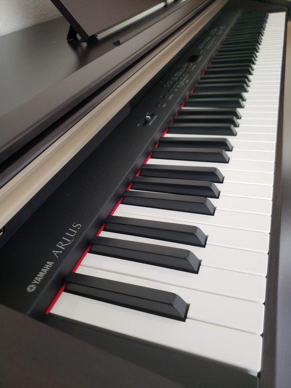 Yamaha Arius YDP-181 (Piano)