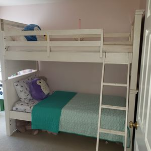 Legacy Classic Bunk Beds (white) for Sale in Duvall, WA