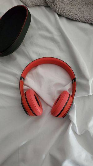 beats solo wireless for Sale in San Clemente, CA