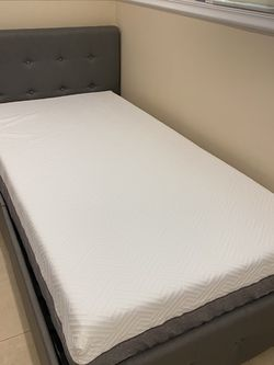 Twin Bed & Mattress for Sale in Hollywood,  FL