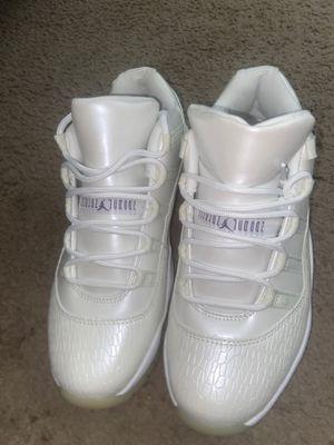 Jordan 11 (FROST WHITE) 8.5 MEN for Sale in Nashville, TN
