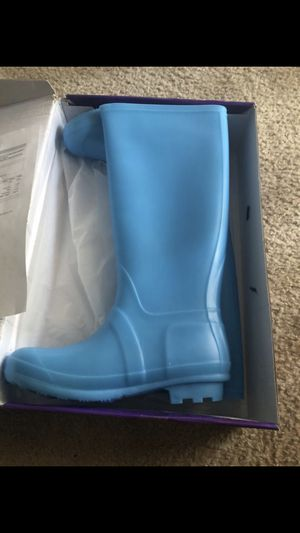 rain boots for Sale in Orange Cove, CA