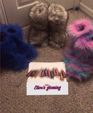 Fur boots&lip gloss for Sale in Tampa, FL