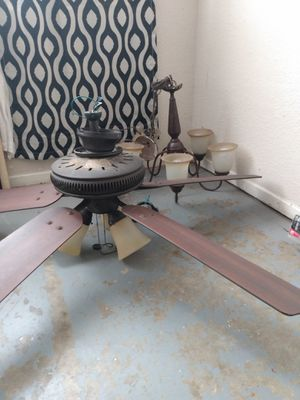 Fan and light set real nice for Sale in Palmdale, CA