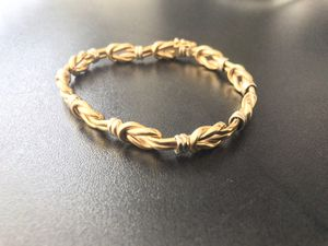 0.81 oz 18K YELLOW AND WHITE ITALIAN GOLD DESIGNER BRACELET IN MINT CONDITION for Sale in Burbank, CA