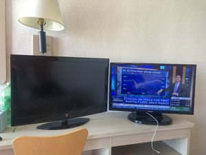 """Flat Tv 32"""" Westinghouse with remote. for Sale in Westminster, CA"""