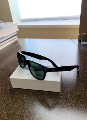 Ray Ban New Wayfarer for Sale in Lynchburg, VA