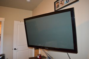 "42"" samsung led tv with wall mount for Sale in Missoula, MT"