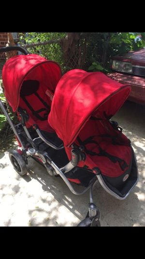 Double stroller seats comes off like car seats for Sale in Washington, DC