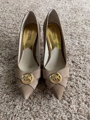 MICHAEL KORS TAN PUMPS for Sale in Severn, MD