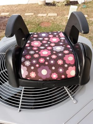 Booster seat for Sale in Sterling, VA