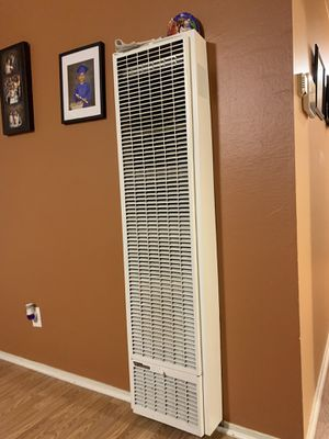 Willian has wall heater for Sale in Concord, CA