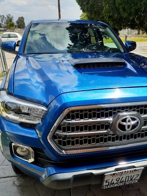 Toyota tacoma 2016 for Sale in San Bernardino, CA
