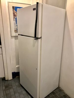 24 inches counter deep refrigerator for Sale in Boston, MA