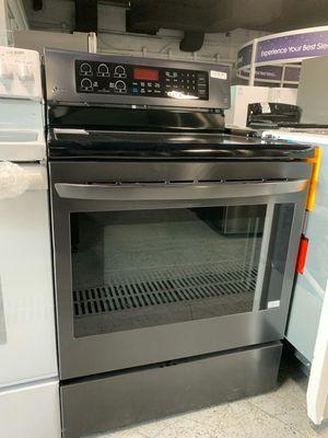 LG Single oven range for Sale in Northville, MI