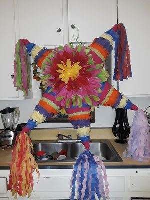 Piñata grande de colores for Sale in Bell, CA