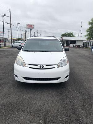 2010 Toyota Sienna for Sale in Grand Prairie, TX