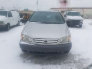 2002 Toyota Sienna for Sale in Willoughby, OH